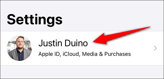 Stuknij w swoją listę Apple ID